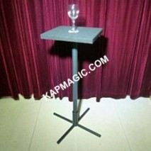 Electronic Drinks Tables <img border=&quot;0&quot; src=&quot;http://kapmagic.com/products_pictures/FREEshippingw5w.gif&quot; width=&quot;175&quot; height=&quot;50&quot;></p>